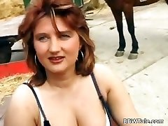 Chubby cougar enjoying in hot country part2