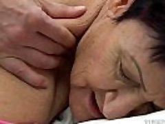 Granny tongues a young guy&#039_s cum