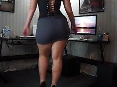 Twerking white phat ass white girl