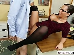 Hot secretary with ample boobs Sydney Leathers gets dilled rock-hard