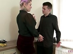 Ardent purple haired slutty secretary Tallulah Tease likes to hop on dick