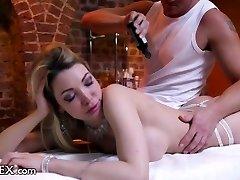 DaringSex MILFs Erotické Masáže