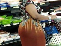 Mature gigantic booty 6