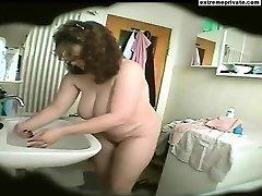Bathroom spy footage BBW Mommy Natasja