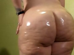 BBW Oiling Up Her Monstrous White Booty