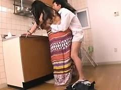 Robustní Orientální žena v domácnosti v prdeli těžce její milenec v
