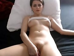 Sexy babe nipples finger-tickling ample cameltoe pussy