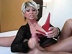 Old Babe With Big Bra-stuffers Wants Cum on her Feet
