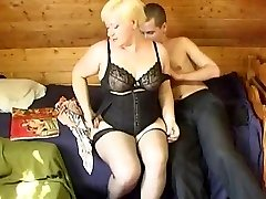 Russian fellow fucking a plumper mature