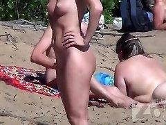 Mumbai Prostitutes on a Nudist Beach - www.saumyagiri.co.in/city/mumbai/