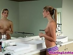 Classy lesbian paramours pussylicking after bath
