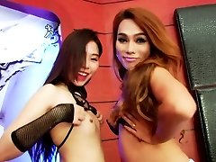 Charming shemale Yuki in hot threeway