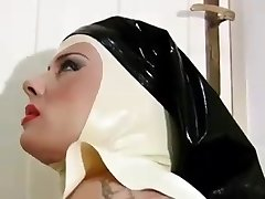 Steamy NUN -bymn