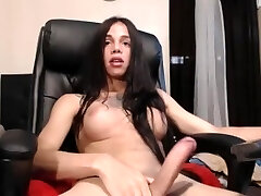 Shemale webcam 12 (Piss)