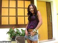 Gorgeous ebony shedoll exposes round boobs and jerks