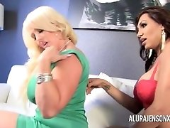Alura Jenson gets Plumbed by She-male Jessy Dubai