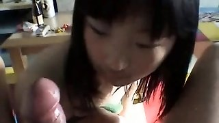 Thai girl fellate dick