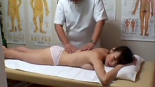 Real hidden web cam sex for Asian girl in the massage salon