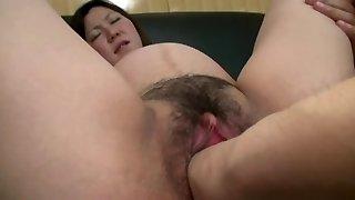Oriental Biggest Labia Fisting