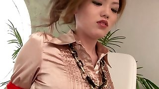 Gorgeous young manicurist gets xxx ravage at work