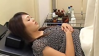 Uber-cute wooly Japanese broad gets fucked by her gynecologist