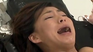 Fucking machine makes woman orgasm endlessly