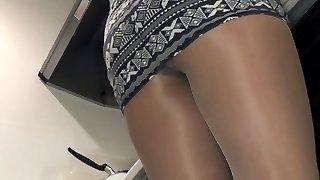 Asian goirl in pantyhose