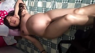 Asian gf pregnant dancing naked in china