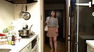 Yui Hatano as Manager Wifey Night Crawling