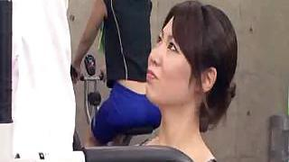 Asian trainer gets erection at the gym