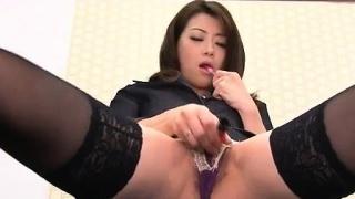 Office doofy, Maki Hojo, plays with her fanny