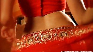 Bollywood Queen Of Erotic Dance Super-sexy MILF