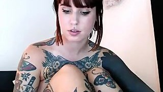 Phat Ass Webcam girl with Tattoos hafe joy