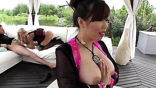 Virgin Kiss and Tigerr Benson anal 3some
