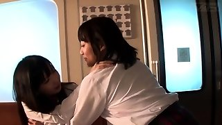 JAV lezzy schoolgirls fingerblasting explosion in train