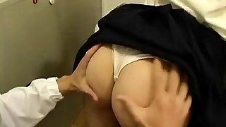CFNM Rump-job and  Handjob Movie  (japanese censored)