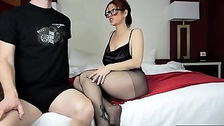Hot mom footjob and jizz flow