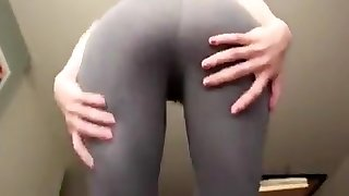 Webcam asian plays with vibrator