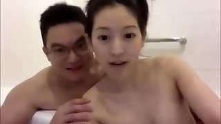 Horny duo chinese acrobatic fuck