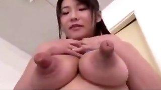 Only in japan - nip banging huge pee