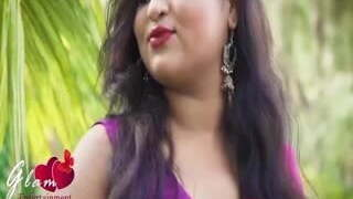 Desi sexy bhabi torrid photoshoot
