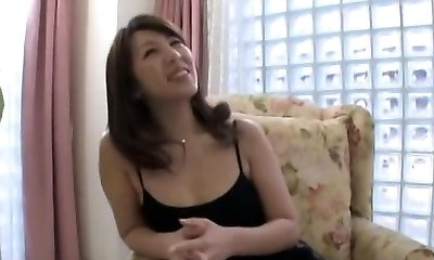 Old lesbo gets her pussy and massive tits pleasured