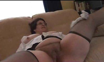 Mature BBW shows her body