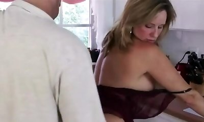 Dont caress that on mom