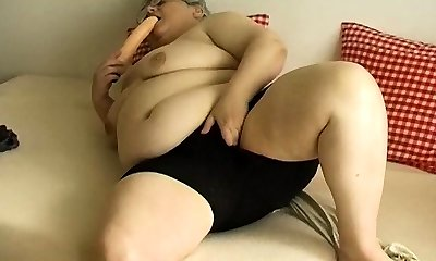 OmaPasS Grandma Mature Amateur Solo Masturbation