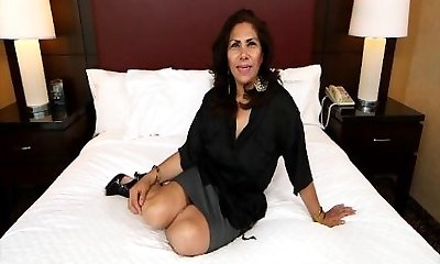 Spanish MILF taking manstick