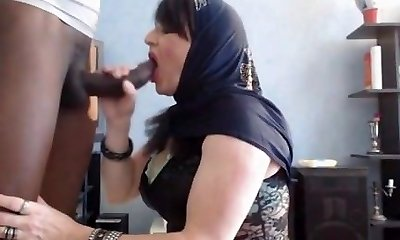arab honey do blowjob