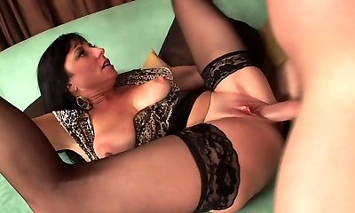 Sexy mature in stockings screws really great (TOP MATURE)