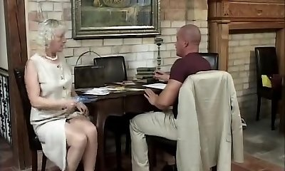 Ash-blonde mature has fun away from the soiree