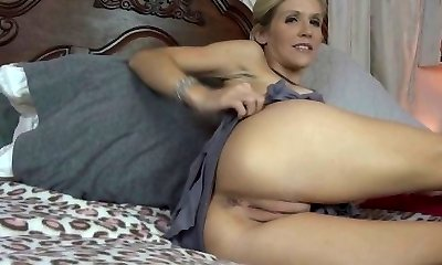 Mommy Emy Loves Cum